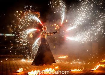 На праздник Фаер шоу в Минске